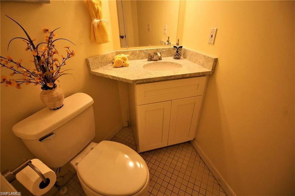 7 - Bathroom 2