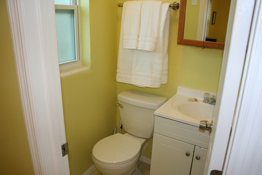 9 - Madison A Bathroom 2